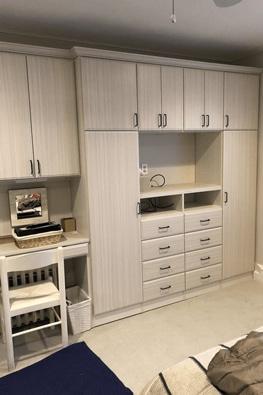 Living Rooms & Dens